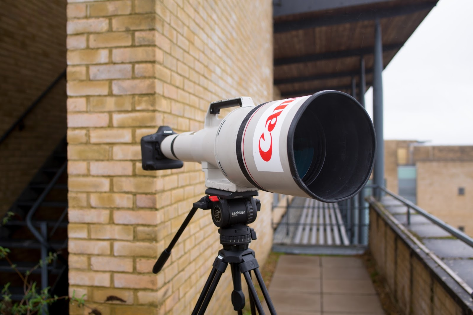 CANON EF 1200MM F/5.6 L USM SUPER TELEPHOTO LENS