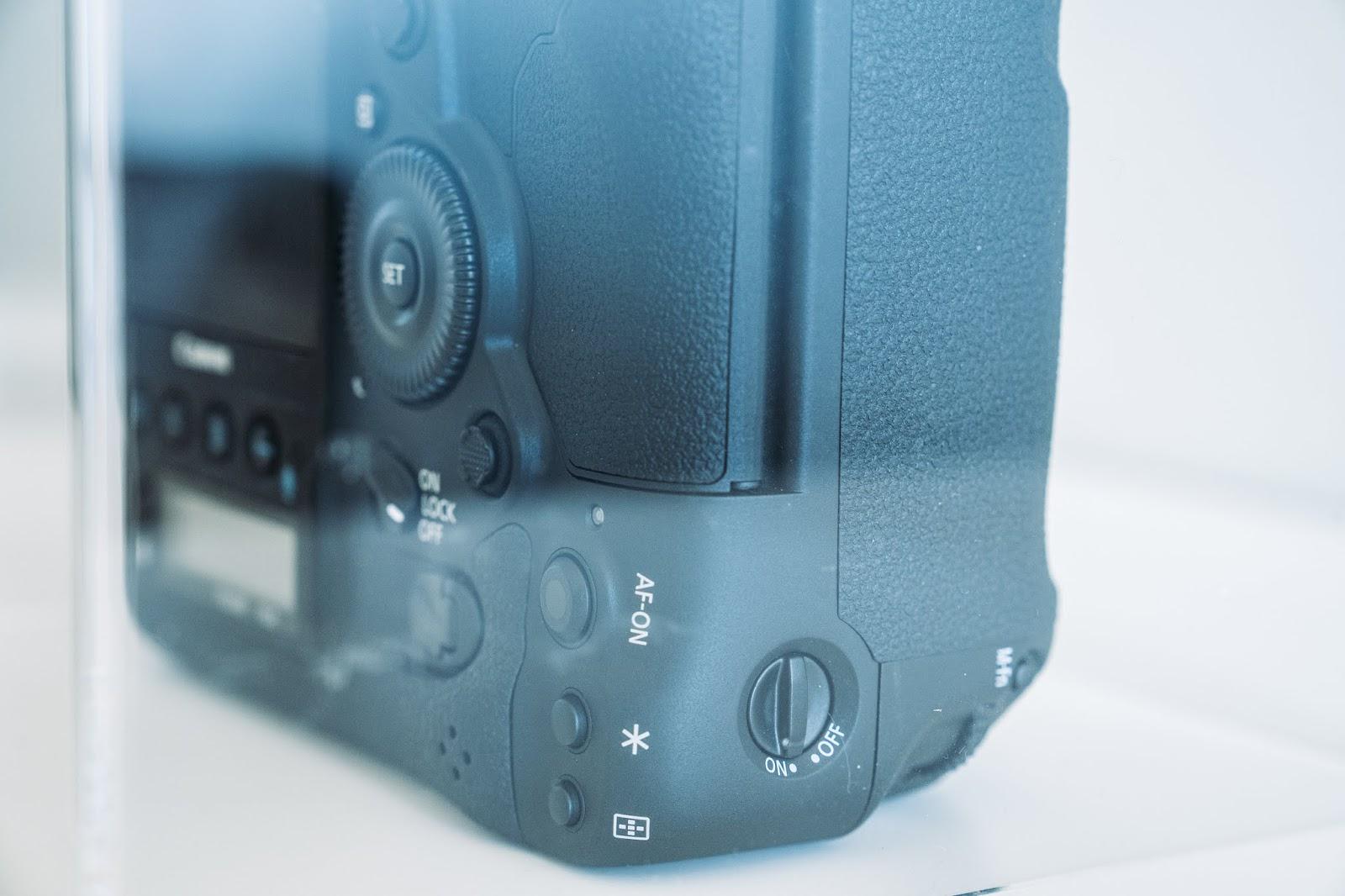 Canon-1DX-III-Side