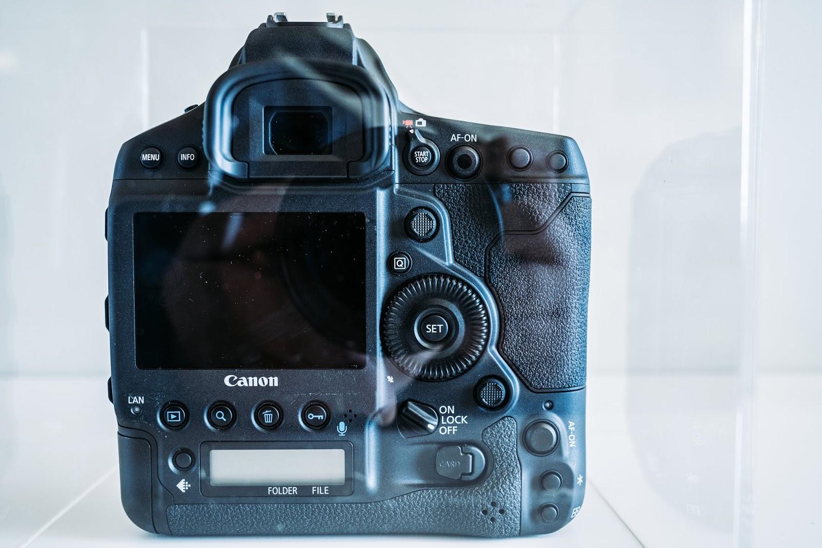 Canon-1DX-III-Rear