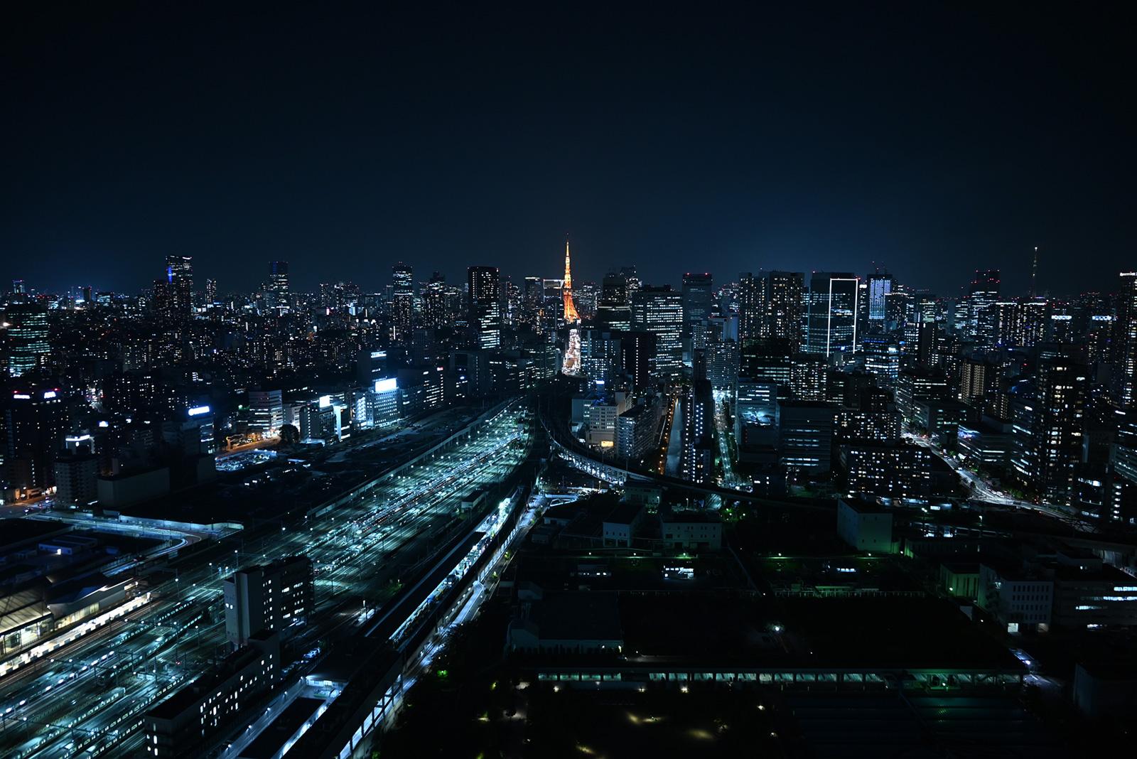 Sample Nikon Z5 image of night cityscape