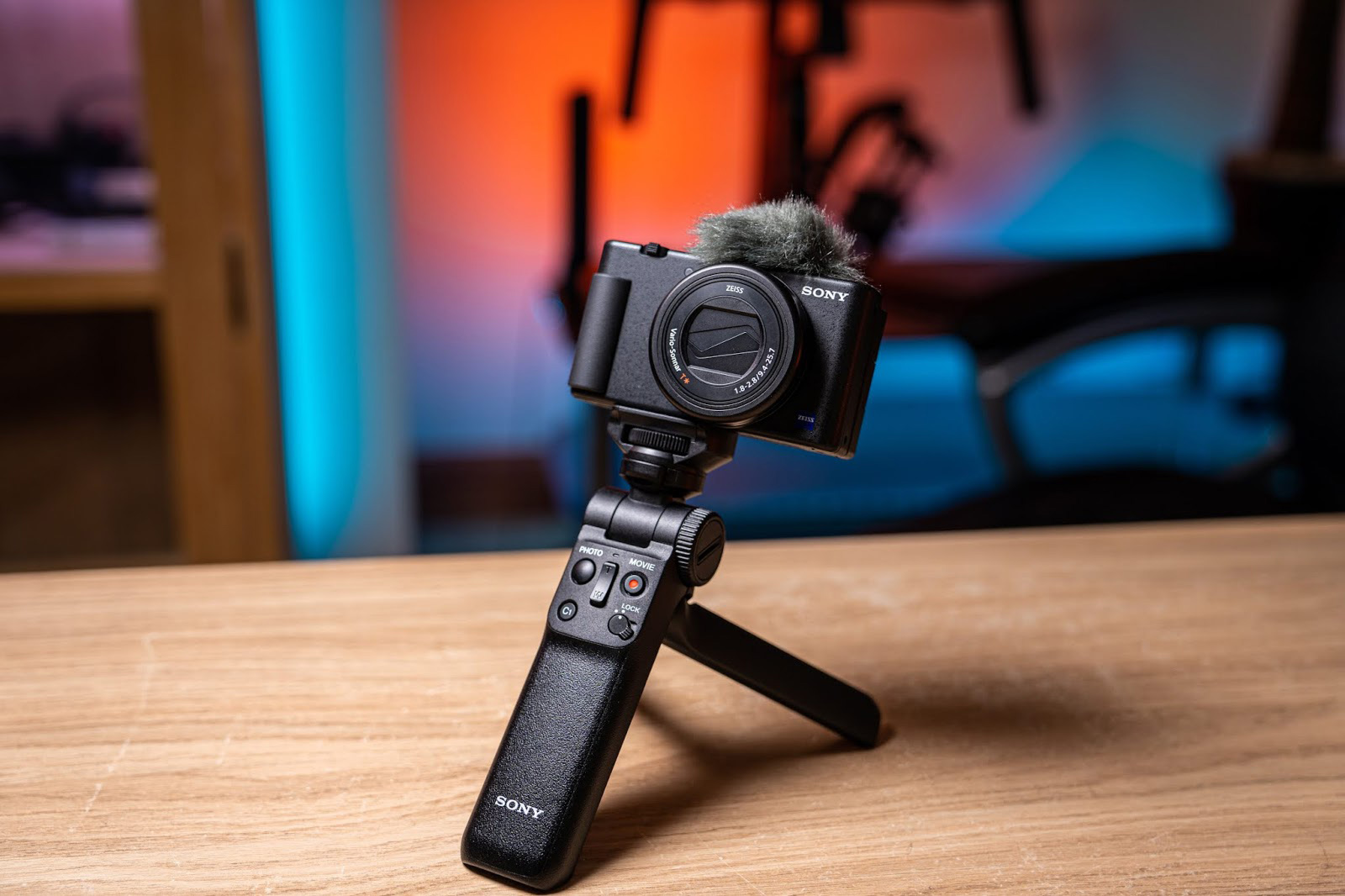 Tripod mounted ZV-1  with microphone
