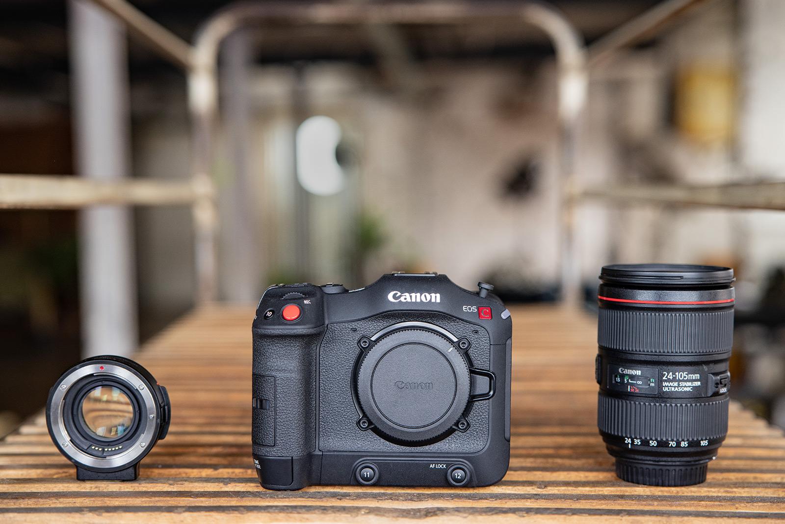 Lens converter with EF lens
