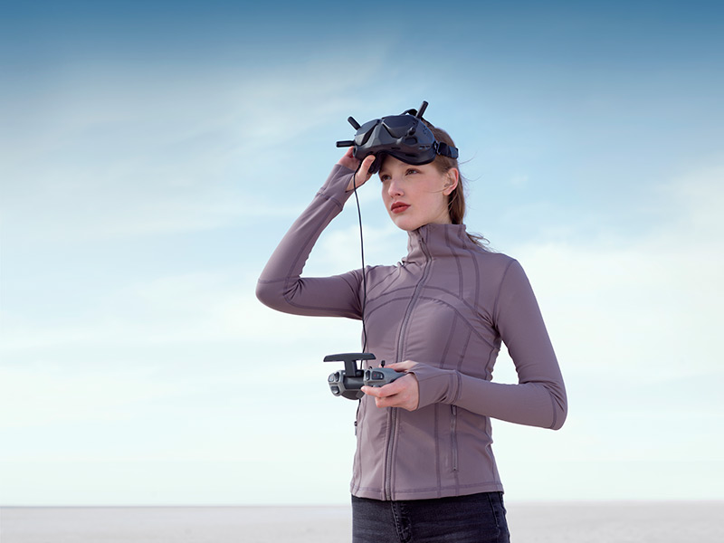 Pure style flying a futuristic drone with Goggles