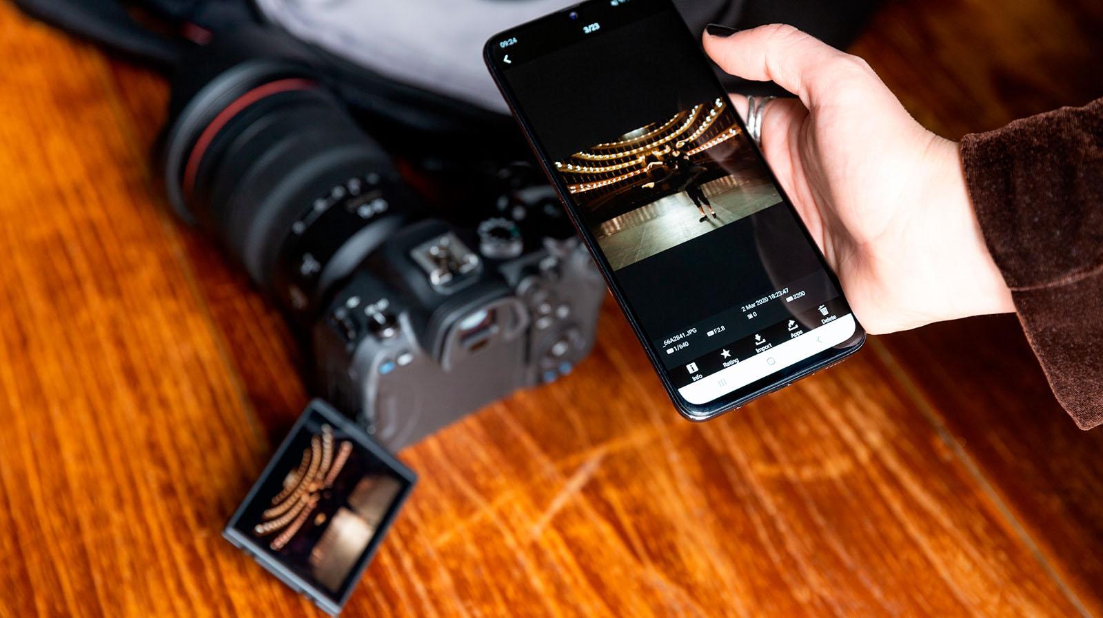 R6 smartphone control