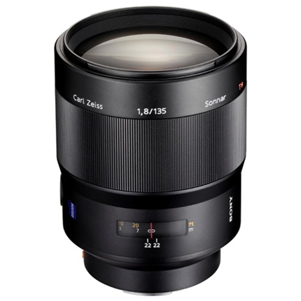 Sony Zeiss Sonnar T* 135mm f/1.8 ZA Lens