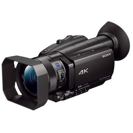 Sony FDR-AX700 Compact Camcorder Video 02