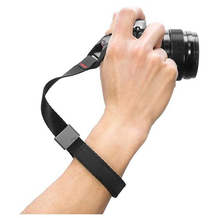 Peak Design Cuff Charcoal Wrist Strap Video 01