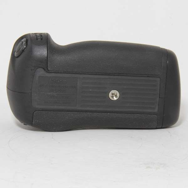 Used Nikon MB-D14 Battery Grip for D600/ D610