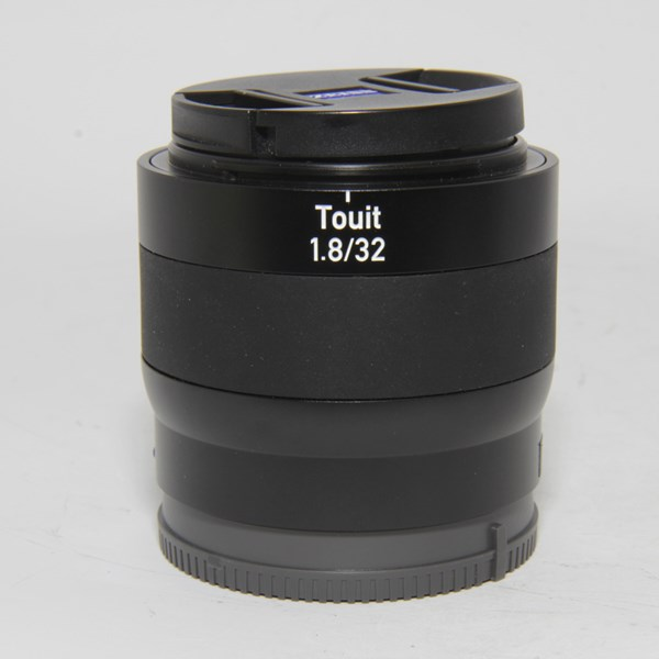Used Zeiss Touit 32mm f/1.8 Planar T* Lens Sony E
